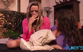 Rough dyke threesome with hot MILF lesbians