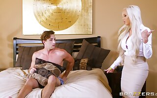 Blonde flesh out when Nina Elle and Elsa Jean tract a brace