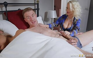 Infinitesimal Princess Eve does the nasty with her hung son-in-law