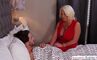 Sex bomb mom Alura Jenson knows how to help will not hear of sick stepson