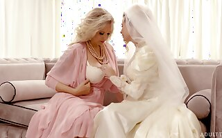 Bride enjoys the mature mother-in-law be required of a number of rounds of lesbian XXX