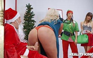 The Naughtiest Little Santa Claus - Jordi el Nino Polla dicking heavy irritant mom Alura TNT Jenson