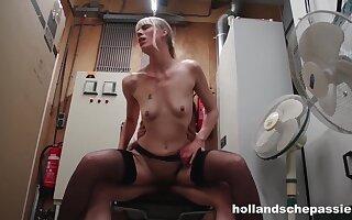 Jentina Small Verleidt De Baas Dutch