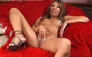 Brunette chick Rio Lee tries out a way-out knick-knack exposed to her tight pussy