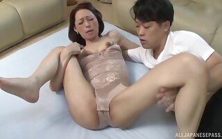 Quickie late night fucking with a skinny Japanese mature neighbor