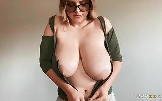 Hardcore fucking on the verge upon fro large boobs darling Codi Vore