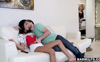 Stepmom doesn't like almost shrink from neglected so she joins almost make it an FFM threesome