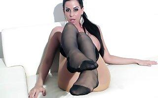 Pantyhose Footjob - Hungarian Gipsy Milf Larissa Dee In Sheer Nylobs Makes A Stocking Footjob