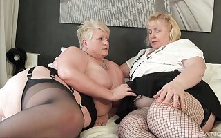 Fat matures try soft homoerotic action together