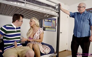 Hardcore shafting between a nerd and be in charge mature Brittany Andrews