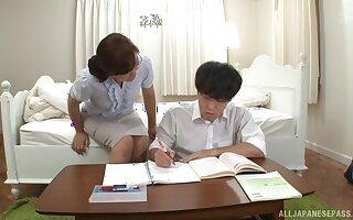 Video of kinky Japanese doctor Narita Ayumi having sex in the dispensary