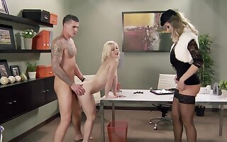 Raunchy bazaar Ash Hollywood gets fucked apart from a transparent hunk