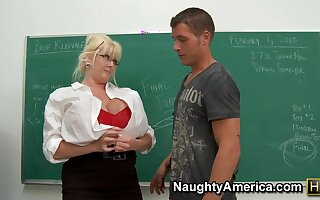 Matured Teacher with broad in all directions the beam ass gets Anal bottomless pit in all directions classroom