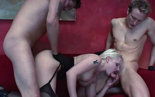 Incredible home threesome with a MILF addicted to cock ]