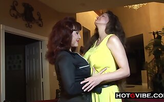 Mature MILF Lesbians Licking Pussy