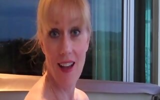 Amateur granny Wicked Sexy Melanie giving a BJ and getting a creampie.