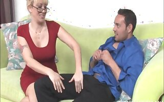 Amateur mature blonde Alana Evans strokes his dick on her face
