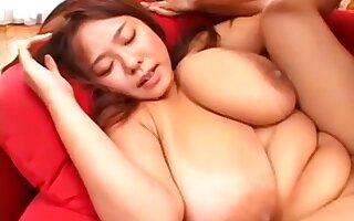 Nice Japanese Grown-up With Giant Juggs Makes Out