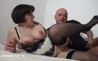 Curvy Grumble Forth Peekaboo Boobs Mature